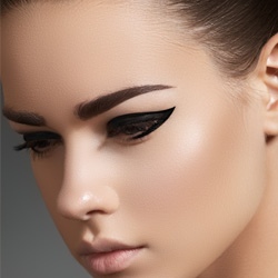 CURSO MAGISTRAL DE EYE LINER
